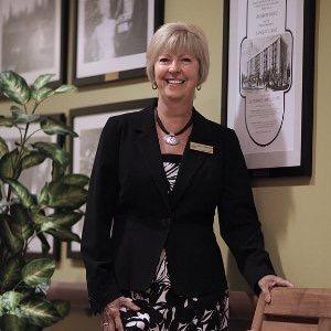 Debra Hauptman Headshot